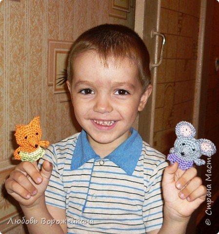 Своим деткам я связала такой кукольный театр к сказке Теремок...Теперь они с огромным удовольствием слушают и сами рассказывают эту сказку!!! фото 1
