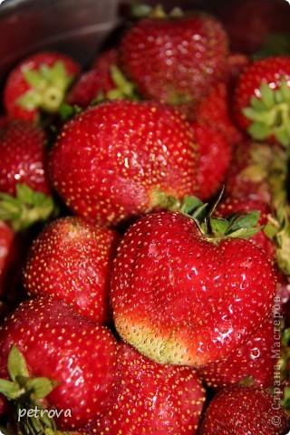 В этот раз я хочу разместить несколько кулинарных рецептов и просто фотографии фруктов-ягод-овощей. Лето, жара... фруктово-овощная благодать! фото 1