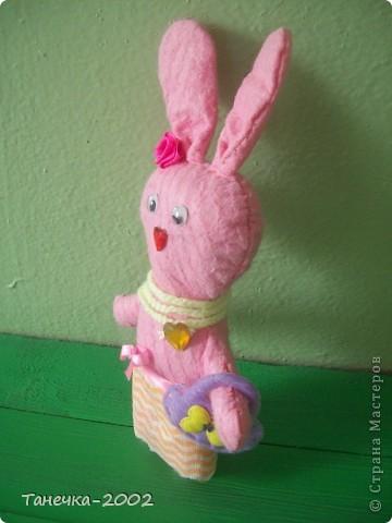 Вчера я напросилась к Алисе и Ульяне на совместный пошив.Мы вместе шили зайчика. Это моя Розочка. фото 2
