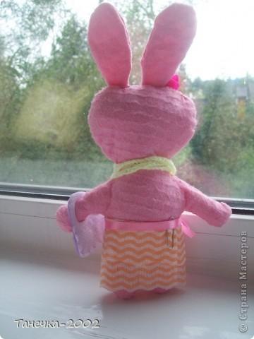 Вчера я напросилась к Алисе и Ульяне на совместный пошив.Мы вместе шили зайчика. Это моя Розочка. фото 6