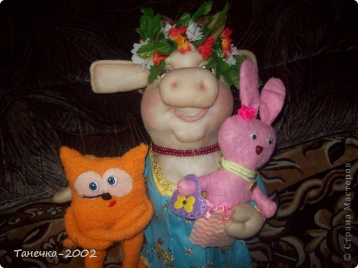 Вчера я напросилась к Алисе и Ульяне на совместный пошив.Мы вместе шили зайчика. Это моя Розочка. фото 10