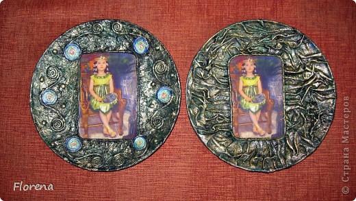 Обе бабушки у нашей дочи-июльские именинницы,поэтому у меня сотворились вот такие тарелочки в подарок  с фото любимой внучки.Две одинаковые делать неинтересно,поэтому тарелочки получились разные,но в одной цветовой гамме. фото 1