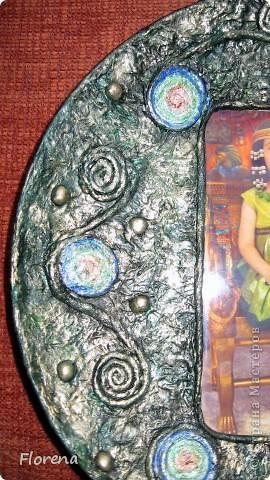 Обе бабушки у нашей дочи-июльские именинницы,поэтому у меня сотворились вот такие тарелочки в подарок  с фото любимой внучки.Две одинаковые делать неинтересно,поэтому тарелочки получились разные,но в одной цветовой гамме. фото 3