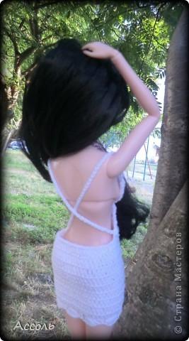 """Всем привет! Я окончательно потеряла голову и разорилась на эту чудо-куколку))) Хоть у меня вначале было желание купить именно блондинку Мелроуз, но за отсутствием последней, рука потянулась к вот этой красавице. Самая большая из имеющихся шарнирных кукол (а это важно, когда шьешь одежду) и самая красивая! Мне она сразу напомнила Маргошу из известного сериала))). Так это имя к ней и """"приросло"""". фото 4"""