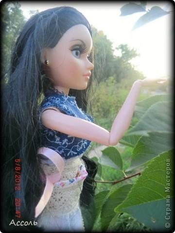 """Всем привет! Я окончательно потеряла голову и разорилась на эту чудо-куколку))) Хоть у меня вначале было желание купить именно блондинку Мелроуз, но за отсутствием последней, рука потянулась к вот этой красавице. Самая большая из имеющихся шарнирных кукол (а это важно, когда шьешь одежду) и самая красивая! Мне она сразу напомнила Маргошу из известного сериала))). Так это имя к ней и """"приросло"""". фото 13"""