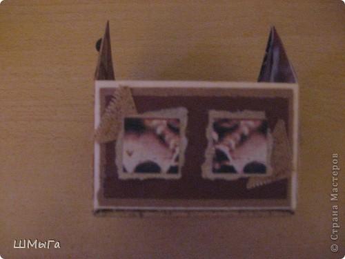 Рассматривая на просторах Интернета различные домики, постоянно ловила себя на мысли, что в голове крутится известная фраза: «Имею желание купить дом, но не имею возможности. Имею возможность купить козу, но…» А тут решила! Буду покупать козу! То есть делать домик, не имея специальных инструментов и материалов. Итак, начинаю… Да простят меня скрапбукеры и декупажницы!  фото 19