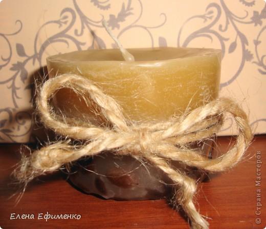 Это мой второй опыт в изготовлении свечей. решила сделать в презент очень хорошей знакомой кофейные свечи.   Идея не моя- это повторюшка. а идею взяла здесь  http://delai-sam.com/post.aspx?nod=105&id=1202&MainNod=7  фото 3