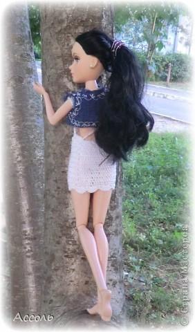 """Всем привет! Я окончательно потеряла голову и разорилась на эту чудо-куколку))) Хоть у меня вначале было желание купить именно блондинку Мелроуз, но за отсутствием последней, рука потянулась к вот этой красавице. Самая большая из имеющихся шарнирных кукол (а это важно, когда шьешь одежду) и самая красивая! Мне она сразу напомнила Маргошу из известного сериала))). Так это имя к ней и """"приросло"""". фото 7"""