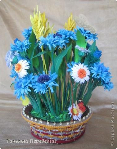 """Здравствуйте, жители СМ! Снова продолжаю свою серию """"Цветы в корзинке""""! Сегодня подготовила букет полевых цветов. Согласитесь, мимо такой красоты пройти невозможно... За МК корзинки - благодарность Светлане  http://stranamasterov.ru/node/377437. фото 2"""