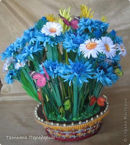 """Здравствуйте, жители СМ! Снова продолжаю свою серию """"Цветы в корзинке""""! Сегодня подготовила букет полевых цветов. Согласитесь, мимо такой красоты пройти невозможно... За МК корзинки - благодарность Светлане  http://stranamasterov.ru/node/377437. фото 3"""