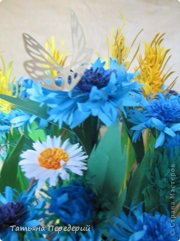 """Здравствуйте, жители СМ! Снова продолжаю свою серию """"Цветы в корзинке""""! Сегодня подготовила букет полевых цветов. Согласитесь, мимо такой красоты пройти невозможно... За МК корзинки - благодарность Светлане  http://stranamasterov.ru/node/377437. фото 4"""