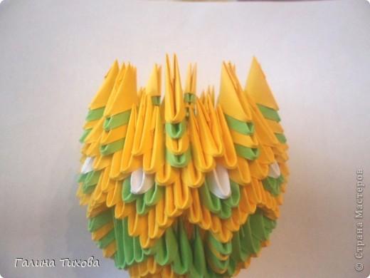 Для изготовления вазы вам понадобится: 200 зелёных, 30 белых, 495 жёлтых модулей.  фото 14