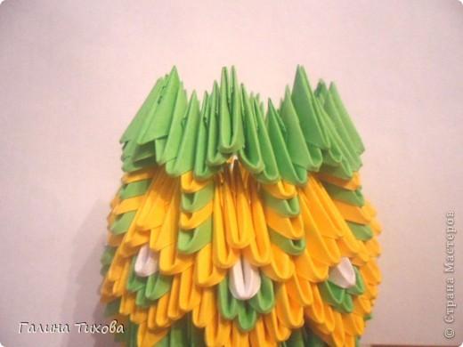 Для изготовления вазы вам понадобится: 200 зелёных, 30 белых, 495 жёлтых модулей.  фото 16