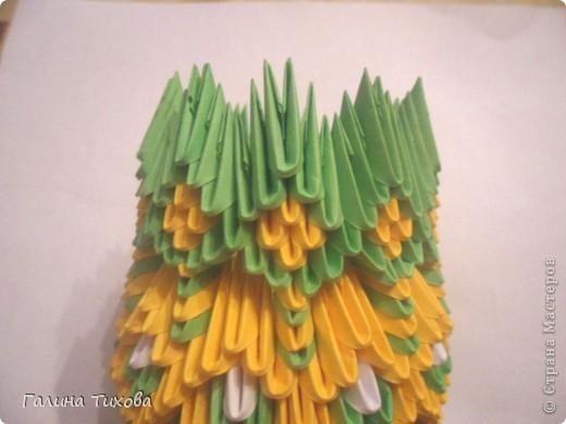 Для изготовления вазы вам понадобится: 200 зелёных, 30 белых, 495 жёлтых модулей.  фото 19