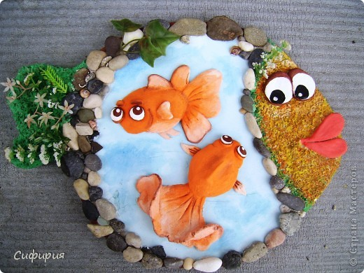 Здравствуйте, дорогие мои!!! Сегодня я к вам вот с такой рыбкой! Смотрю у нас в Стране девочки все фонтанчики мастерят, на фонтанчик я еще не созрела, а вот пруд с рыбками принимайте! У моей маман день рожденья, так что это ей подарочек. фото 1