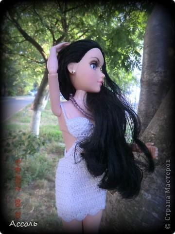 """Всем привет! Я окончательно потеряла голову и разорилась на эту чудо-куколку))) Хоть у меня вначале было желание купить именно блондинку Мелроуз, но за отсутствием последней, рука потянулась к вот этой красавице. Самая большая из имеющихся шарнирных кукол (а это важно, когда шьешь одежду) и самая красивая! Мне она сразу напомнила Маргошу из известного сериала))). Так это имя к ней и """"приросло"""". фото 8"""