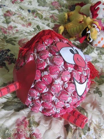 Нюша из конфет фото 3