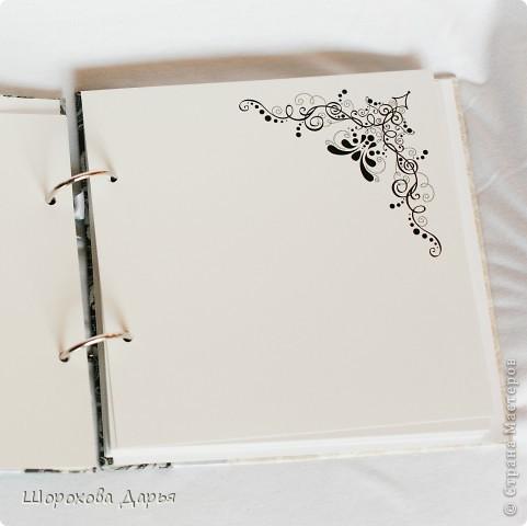 На ваш суд представляю книгу пожеланий на свадьбу в коробке. Делала на подарок друзьям. Размер книжки 25 см * 25 см, коробка 27*27 см. Внутри 40 листов для пожеланий. фото 4