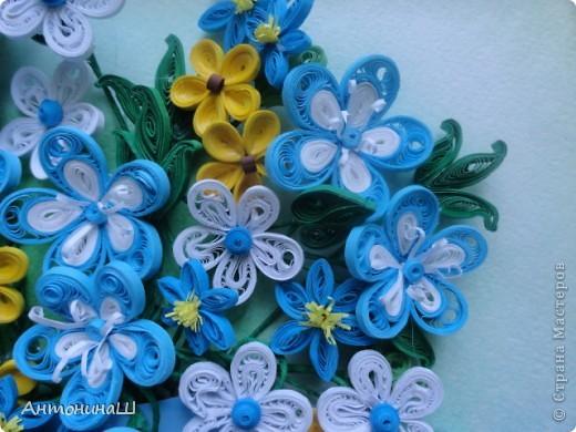 Приветствую всех жителей нашей замечательной страны.  У кого-то подсмотрела эти ажурные цветочки и очень они мне понравились, захотелось сделать себе такие же.   Вот и нафантазировала такой букетик.  Просто так. фото 2