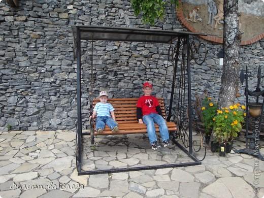 """Итак продолжу рассказ о поездке 2011 года. После Зюраткуля мы направились в город Сатку, чтобы посмотреть """"Сонькину Лагуну"""". Об этом парке, признаюсь, мы не знали вовсе-хотя живем не так далеко. Не знали о нем и родственники в Магнитогорске. фото 18"""