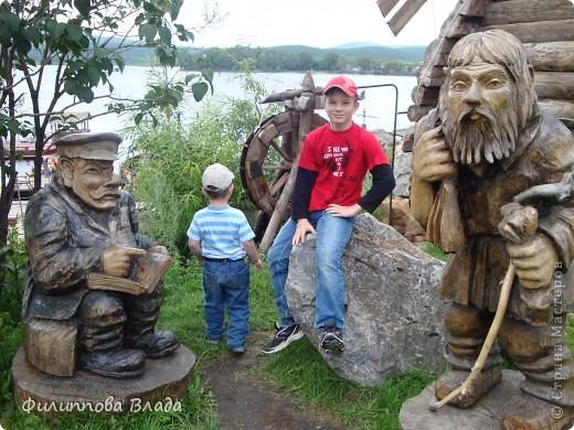 """Итак продолжу рассказ о поездке 2011 года. После Зюраткуля мы направились в город Сатку, чтобы посмотреть """"Сонькину Лагуну"""". Об этом парке, признаюсь, мы не знали вовсе-хотя живем не так далеко. Не знали о нем и родственники в Магнитогорске. фото 25"""