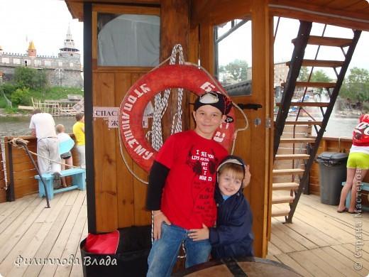 """Итак продолжу рассказ о поездке 2011 года. После Зюраткуля мы направились в город Сатку, чтобы посмотреть """"Сонькину Лагуну"""". Об этом парке, признаюсь, мы не знали вовсе-хотя живем не так далеко. Не знали о нем и родственники в Магнитогорске. фото 13"""