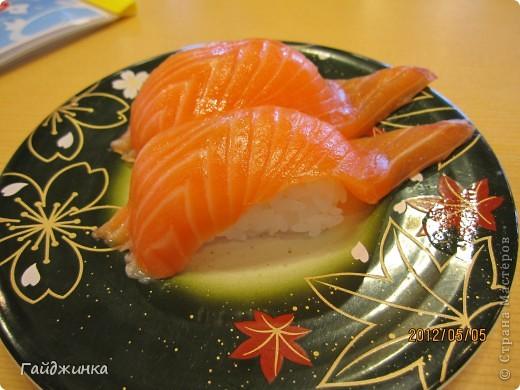 Разгребая фотки наткнулась на фото, сделанные еще в мае. Это мы заезжали покушать суши. На этой фотографии макеты! Про макеты подробнее тут: http://stranamasterov.ru/node/87699 фото 6