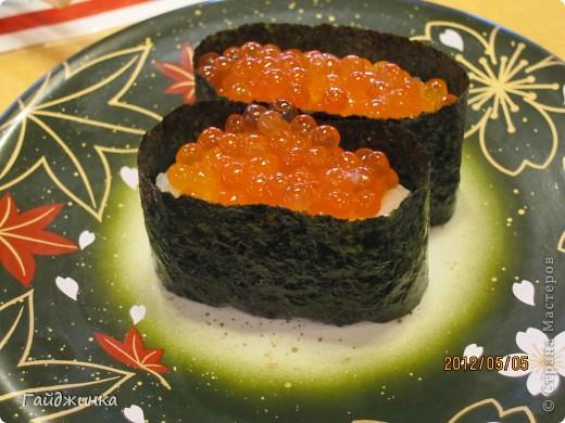 Разгребая фотки наткнулась на фото, сделанные еще в мае. Это мы заезжали покушать суши. На этой фотографии макеты! Про макеты подробнее тут: http://stranamasterov.ru/node/87699 фото 11