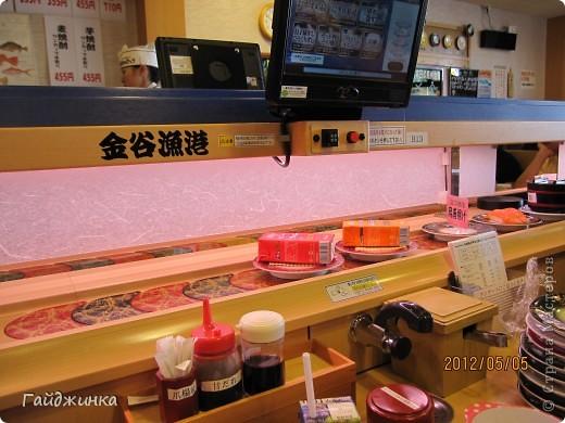 Разгребая фотки наткнулась на фото, сделанные еще в мае. Это мы заезжали покушать суши. На этой фотографии макеты! Про макеты подробнее тут: http://stranamasterov.ru/node/87699 фото 15