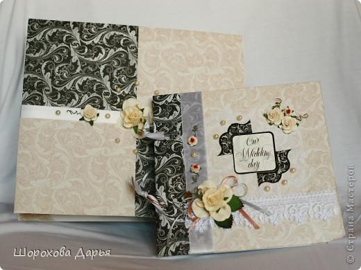 На ваш суд представляю книгу пожеланий на свадьбу в коробке. Делала на подарок друзьям. Размер книжки 25 см * 25 см, коробка 27*27 см. Внутри 40 листов для пожеланий. фото 1