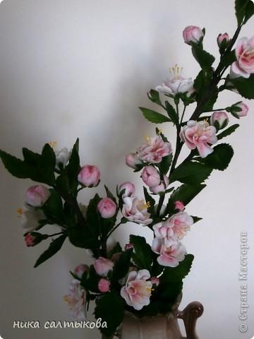 Всем привет! Закончила орхидейку и сакуру для магазина. В заказе не была загнана в рамки, лепила по своему усмотрению- к чему очень рада))) фото 5