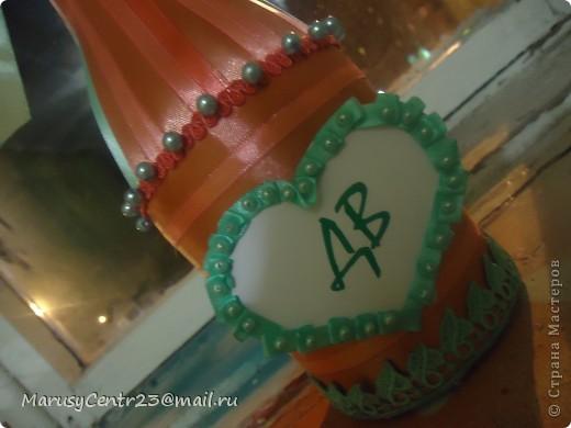 Вот такие бутылочки из лент я сделала на свадьбу сестре. . .)))) фото 2