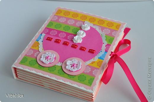 У моих подруг на одной неделе родились детки - мальчик и две девочки. Приготовила им вот такие коробочки, вдохновившись работами Альбины Уфа http://stranamasterov.ru/node/395376?c=favorite_c . Мастер-класс здесь http://iruuuha.blogspot.com/2012/01/blog-post_20.html . фото 8