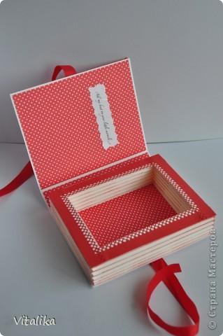 У моих подруг на одной неделе родились детки - мальчик и две девочки. Приготовила им вот такие коробочки, вдохновившись работами Альбины Уфа http://stranamasterov.ru/node/395376?c=favorite_c . Мастер-класс здесь http://iruuuha.blogspot.com/2012/01/blog-post_20.html . фото 13