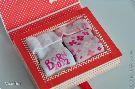 У моих подруг на одной неделе родились детки - мальчик и две девочки. Приготовила им вот такие коробочки, вдохновившись работами Альбины Уфа http://stranamasterov.ru/node/395376?c=favorite_c . Мастер-класс здесь http://iruuuha.blogspot.com/2012/01/blog-post_20.html . фото 14