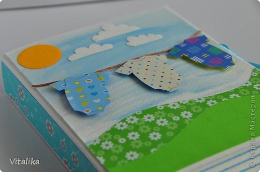 У моих подруг на одной неделе родились детки - мальчик и две девочки. Приготовила им вот такие коробочки, вдохновившись работами Альбины Уфа http://stranamasterov.ru/node/395376?c=favorite_c . Мастер-класс здесь http://iruuuha.blogspot.com/2012/01/blog-post_20.html . фото 6