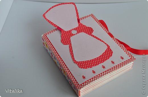 У моих подруг на одной неделе родились детки - мальчик и две девочки. Приготовила им вот такие коробочки, вдохновившись работами Альбины Уфа http://stranamasterov.ru/node/395376?c=favorite_c . Мастер-класс здесь http://iruuuha.blogspot.com/2012/01/blog-post_20.html . фото 15