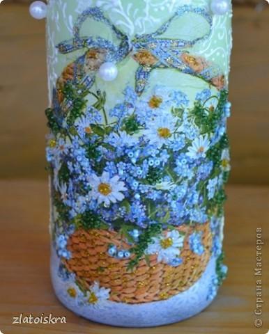Добрый день, жители СМ! За последнее время собралось немного декупажных работ, хочу с вами поделиться. На этом фото вазочка и бутылочка в одном стиле, украшены хрустальной пастой, структурной пастой, 3Д гелем, на вазе еще имитация кружева шпатлевкой через прорезиненную салфетку, на бутылке - бабочки-пайетки. фото 4