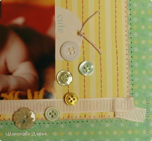 Делала для подруги на подарок бабушкам, т.е. предполагается как декоративное панно на стену. Несмотря на то, что увлекаюсь скрапом уже почти 2 года, опыта в создании скрап-страничек мало. Эт можно сказать, тренировка))) Первая страничка летняя, игривая, как малышка на фото! фото 3