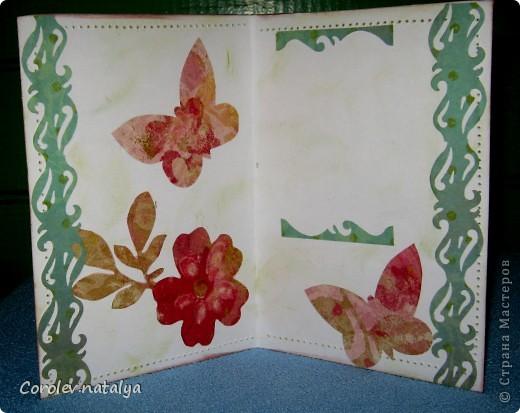 Всем доброго вечерочка или утречка! Хочу показать вам открыточки всяко-разно. Эту девчушку сделала в подарок очень хорошему человечку,потом он сам признается(может быть...),но поскольку посылка пришла чуть раньше дня рождения ,признаваться не буду. Использованы - акварельная бумага,ткань,скрапбумага 4 видов,распечатка ,готовые листочки и цветок,веревочка,дистрессы,гелевые ручки для имитации строчек. фото 12
