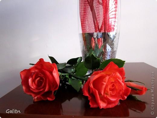 Надеюсь пока этим букетом завершиться моя *розовая* эпопея.Очень хочется заняться ещё чем-то.Не могу сказать. что я не люблю делать розы, просто за последнее время их было слишком много. Ну а сейчас приятного просмотра. фото 3