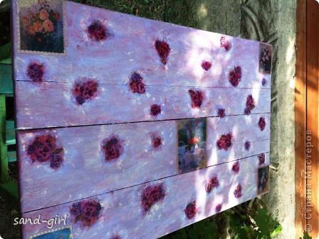 Этот стол я декорирую в третий раз. Предыдущий его вариант не пережил зиму. На фото вы видите его, надеюсь, последний образ. фото 8