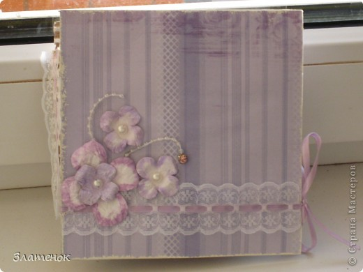 Доброе время суток дорогая моя страна. Сделалась у меня вот такая коробочка в подарок одной замечательной девушке на день рождения. Сделала я ее из картона и срап бумаги.   фото 1