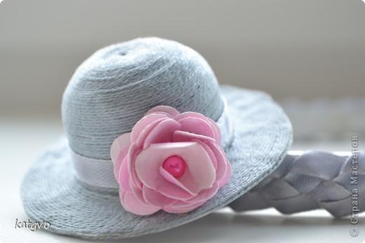 На четырехлетие девчушки сделала подарок. В пятницу у неё в садике конкурс шляпок. Это конечно не шляпка в прямом смысле. Но уж очень мне захотелось соединить две подсмотренные идеи. фото 1
