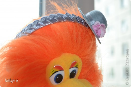 На четырехлетие девчушки сделала подарок. В пятницу у неё в садике конкурс шляпок. Это конечно не шляпка в прямом смысле. Но уж очень мне захотелось соединить две подсмотренные идеи. фото 4