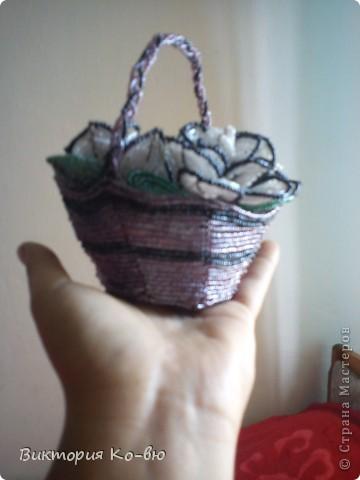 Здравствуйте, мои любимые и многоуважаемые жители Страны Мастеров! Эти мини-розочки были сплетены очень давно, и сразу же подарены!Это мои самые первые цветы!(примерно около 3 лет назад) фото 3