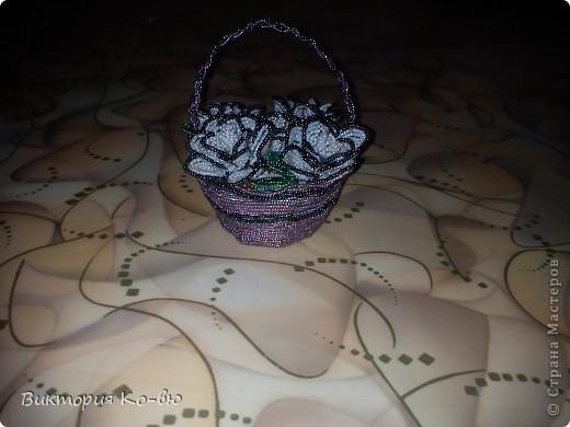 Здравствуйте, мои любимые и многоуважаемые жители Страны Мастеров! Эти мини-розочки были сплетены очень давно, и сразу же подарены!Это мои самые первые цветы!(примерно около 3 лет назад) фото 2
