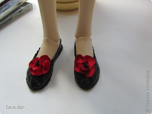 Кожа зам,цветы делала из атласа и украсила бисером.Длина ножки 7см. фото 2