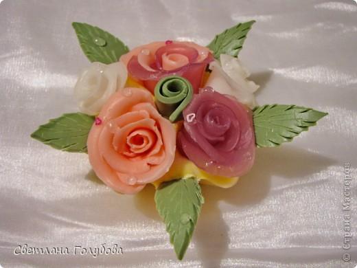 В реальности розы немного другого цвета - красивее.  фото 2