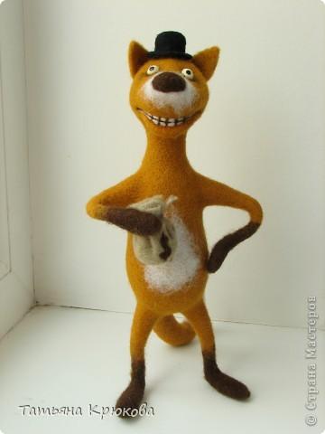 Вот вспомнилась сказка про колобка,думалось сделать лисичку с главным героем....а получился хитрый рыжий лис с мешком денег)))) фото 3